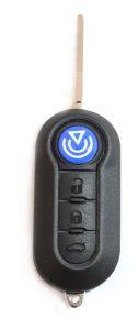 Yleismallinen Fiatin kaukolukitusavain. Voidaan ohjelmoinda useisiin eri malleihin. Kuopion Kenkä- ja avainapu ohjelmoi avaimet  saman tien mukaan.