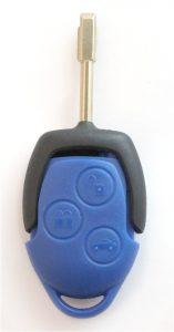 Ford transitin sininen kaukolukitusavain. Kuopion Kenkä- ja avainapu ohjelmoi avaimet  saman tien mukaan.