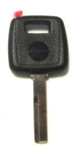 Volvon sirullinen avain. Kuopion Kenkä- ja avainapu ohjelmoi avaimet  saman tien mukaan.